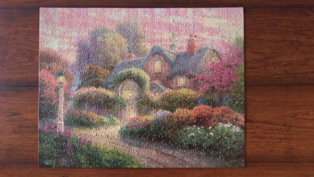 Rosebud Cottage (500 pc)